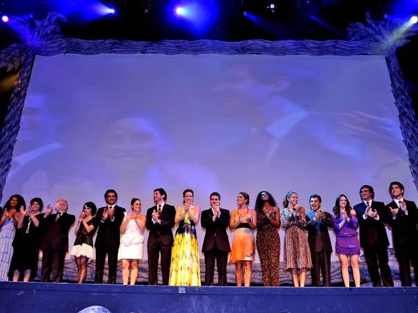 Artitas reunidos durante a premiação