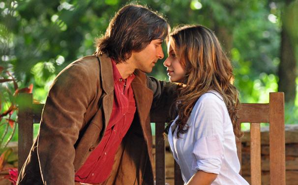 Manuela confessa que ainda ama Solano