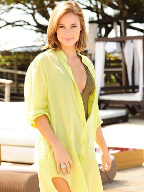 Paola Oliveira é Marina