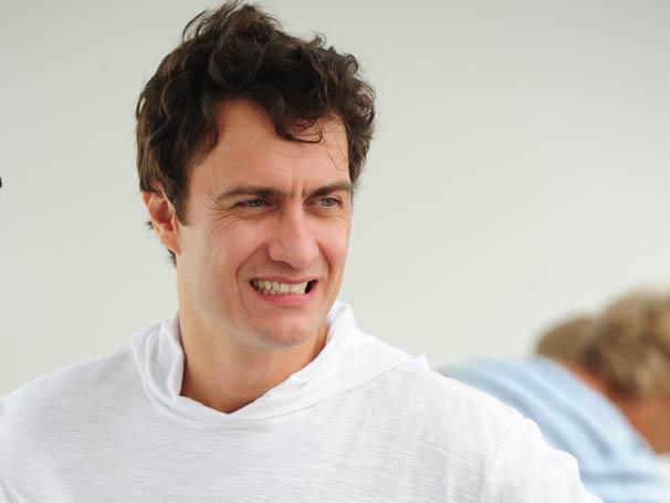 Gabriel Braga Nunes interpreta o vilão da trama Léo