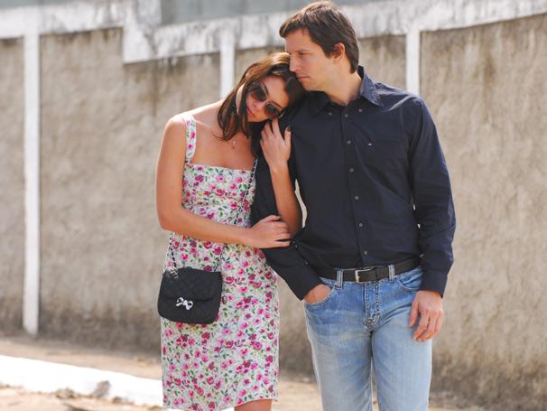 Alinne Moraes e Vladmir Brichta estão nos episódios baseados em 'Folhetim' e 'As Vitrines'
