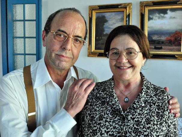 Prazeres Barbosa e Amilton Monteiro vivem Dinorá e Paulo Aragão, pais de Renato Aragão
