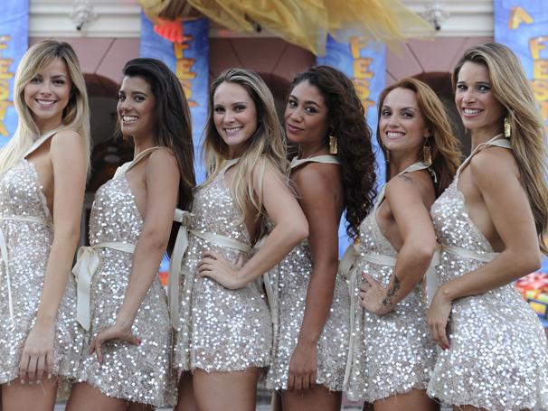 Karen , Sury , Eloah , Karen , Fernanda Goeth e Dani Bananinha animam o Caldeirão especial