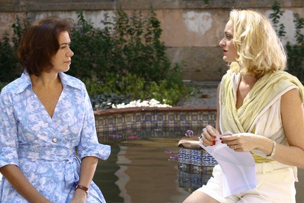 Mercedes (Lília Cabral) e Mônica (Alessandra Richter)