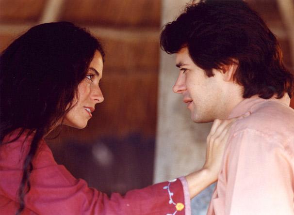 Murilo Benicio e Giovanna Antonelli são os protagonistas de O Clone