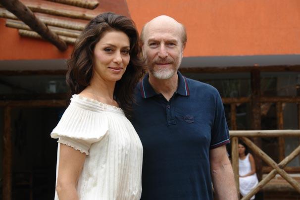 Maria Fernanda Cândido e Odilon Wagner também estão na minissérie