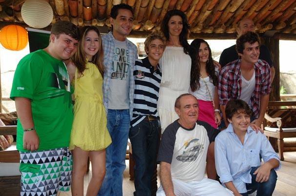 Renato Aragão contracena com a filha Livian Aragão na minissérie