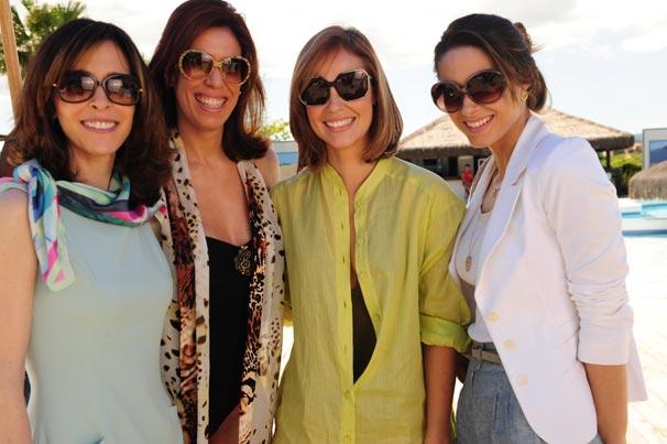 Eunice ( Debora Evelyn ), Bibi ( Maria Clara Queiros ), Marina ( Paola Oliveira ) e Luciana ( Fernanda Machado )