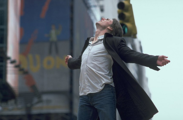 O playboy David Aames (Tom Cruise) é dono de um império editorial (Foto: Divulgação)