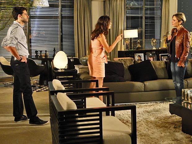Luísa procura Marcela e lhe implora perdão (Foto: TV Globo/Ti-ti-ti)