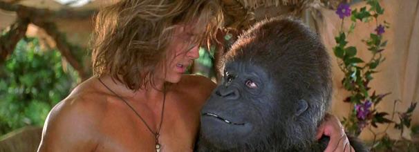 George (Brandan Fraser) se despede do amigo gorila e vai viver em São Francisco (Foto: Divulgação)