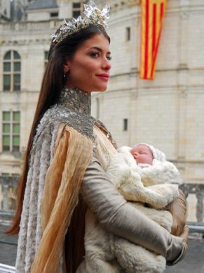 Alinne Moraes faz participação especial como Rainha Cristina (Foto: Divulgação/ TV Globo)