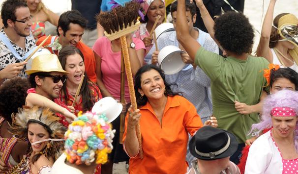 Regina Casé estrela o filme 'Marchinha do Xixi', que faz parte da campanha do Carnaval de Rua 2011  (Foto: Alex Carvalho/ TV Globo)