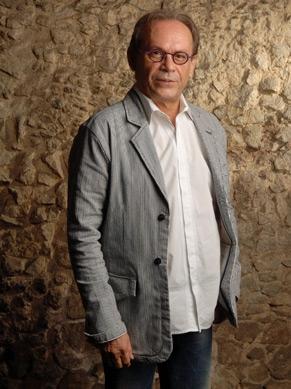 José Wilker faz comentários no Oscar 2011 (Foto: Reprodução/Divulgação)