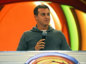 Luciano Huck dá inicio ao Soletrando 2011 (Foto: Divulgação/ TV Globo)