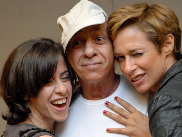 Fernanda Torres , Flavio Migliaccio e Andrea Beltrão se divertem no encontro (Foto: TV Globo/ Marcio Nunes)