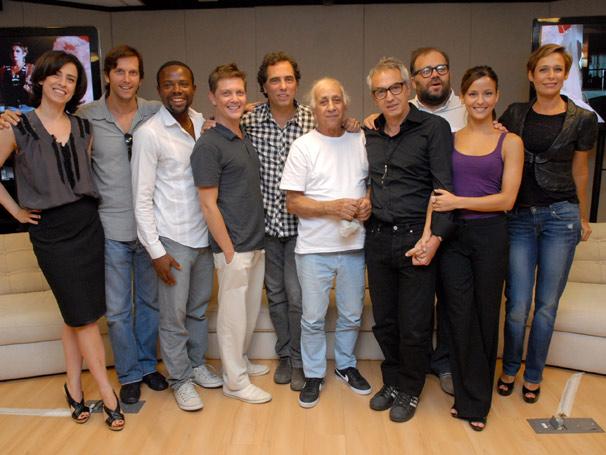 Elenco se reúne para apresentar nova série da Rede Globo (Foto: TV Globo/ Marcio Nunes)