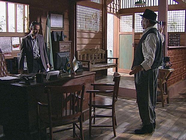 Geraldo se revolta contra Max (Foto: Araguaia/ TV Globo)