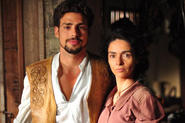 Claudia Ohana e Cauã Reymond são mãe e filho na próxima novela das seis (Foto: TV Globo/ Estevam Avellar)