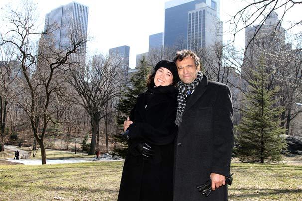 Lilia Cabral (Merdedes) e Domingos Montagner (Carlos) gravaram na cidade de Nova York (Foto: TV Globo/Luiz C. Ribeiro)