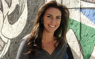 Glenda Kozlowski apresenta a nova temporada de Globo Mar ao lado de Ernesto Paglia (Foto: Divulgação TV Globo)
