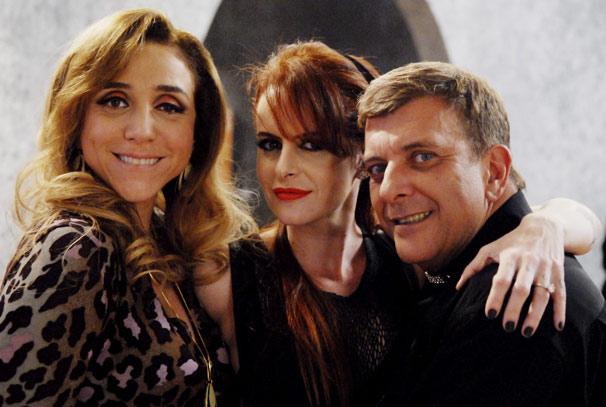 Fernanda Young posa com Marisa Orth e Jorge Fernando (Foto: TV Globo / Marcio Nunes)