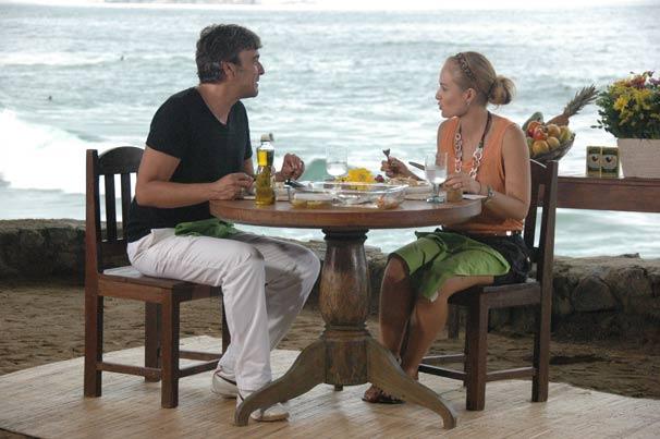 O ator conta que gosta de pescar (Foto: TV Globo/Deborah Montenegro)