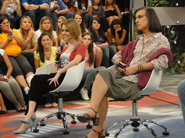 Sandy revela que acha chato ter a obrigação de fazer as unhas e ir ao cabeleireiro (Foto: Marcos Manzini/ TV Globo)