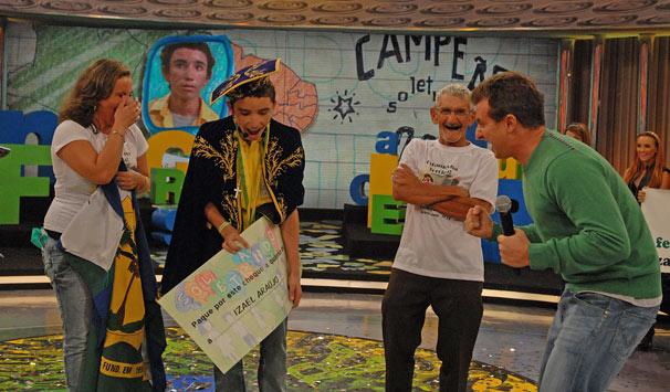 Izael Araújo é o campeão do Soletrando 2011 (Foto: Alex Carvalho/ TV Globo)