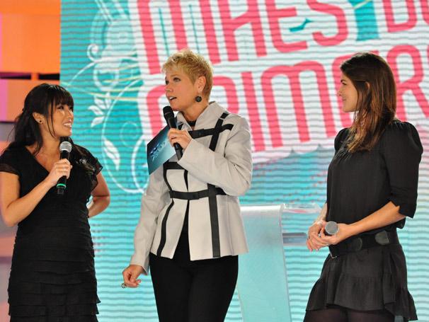 Xuxa recebe as futuras mamães Priscila Fantin e Dani Suzuki (Foto: TV Globo/ Estevam Avellar)