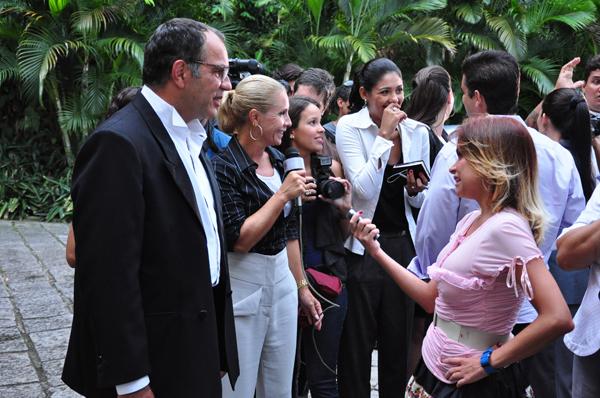 Lara com Z (Foto: Estevam Avellar / Divulgação TV Globo)