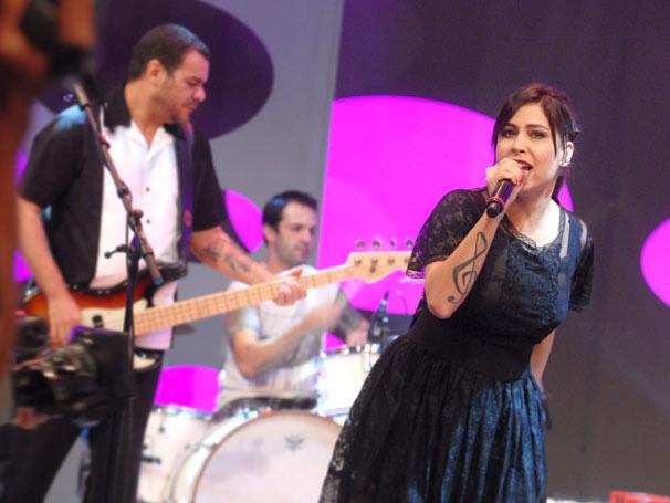 A cantora Pitty é a atração musical do Caldeirão do Huck deste sábado, dia 7 (Foto: Blenda Gomes/ TV Globo)