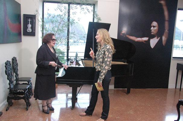 Ainda neste sábado, Angélica visita o apartamento de Bibi Ferreira (Foto: Divulgação TV Globo)