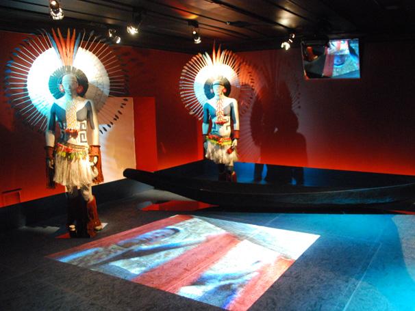 Exposição sobre a tribo Karajás no Museu do Índio do Rio de Janeiro (Foto: Reprodução de TV)