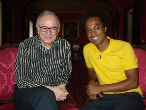 Alexandre Henderson com Boaventura de Sousa Santos (Foto: Divulgação)