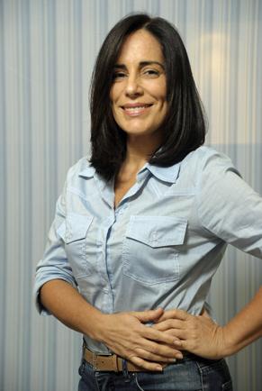 Glória Pires com o cabelo da nova fase de sua personagem, Norma (Foto: TV Globo/Renato Rocha Miranda)