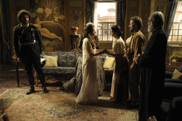 A princesa pergunta aos pais por que esconderam essa informação (Foto: TV Globo/Renato Rocha Miranda)