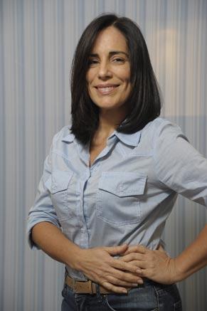 Norma adota um visual mais sofisticado (Foto: TV Globo/Renato Rocha Miranda)