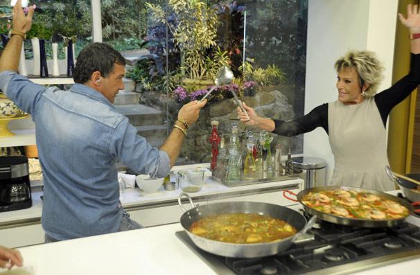 Antonio Banderas e Ana Maria Braga se divertem na cozinha do Mais Você (Foto: TV Globo/ Renato Rocha Miranda)