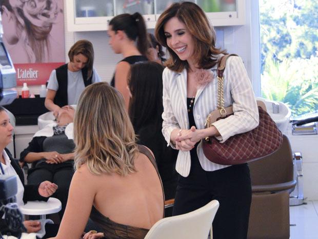 Eunice forja encontro com Marina (Foto: TV Globo/Insensato Coração)
