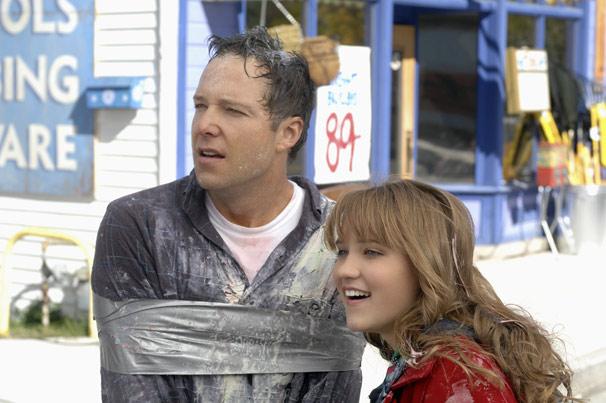 Quando Neal é sequestrado, a jovem tenta resgatá-lo (Foto: Divulgação)