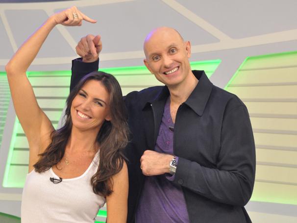 Tande estreia ao lado de Glenda Kozlowski na apresentação do Esporte Espetacular deste domingo, dia 5 (Foto: (Foto: TV Globo/ João Cotta))