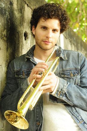 Márcio Hayalla (Thiago Fragoso) (Foto: TV Globo/João Miguel Júnior)