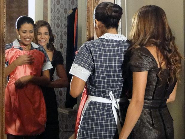 Lavínia tenta levar Lídia ao baile, mas Oséas não deixa (Foto: TV Globo/ Morde & Assopra)
