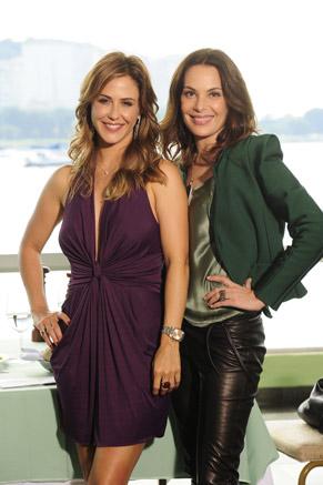 Beatriz (Guilhermina Guinle) e Amanda (Carolina Ferraz) (Foto: TV Globo/João Miguel Júnior)