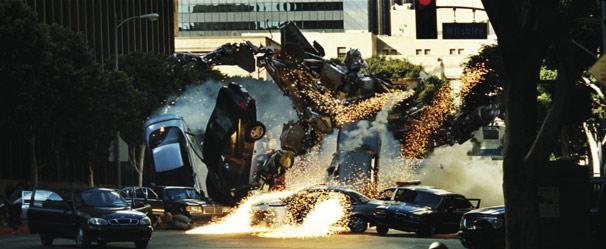 Robôs alienígenas querem dominar o mundo em 'Transformers' (Foto: Divulgação)