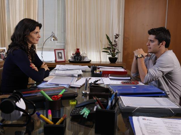 Malhação - Tereza convence Pedro a não sair do colégio (Foto: Divulgação TV Globo)