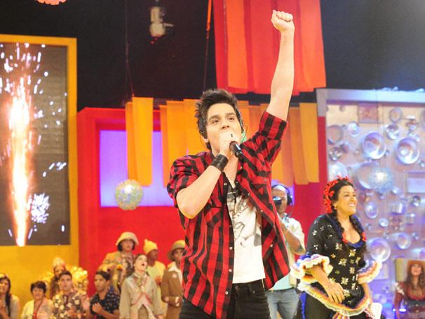 Luan Santana canta sucessos agita plateia do Esquentão! (Foto: TV Globo / João Miguel Júnior)