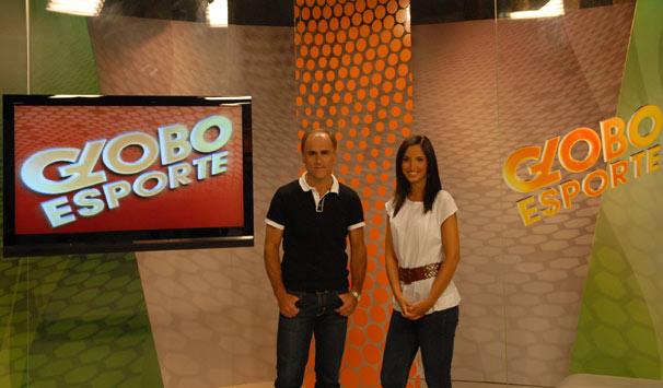 Paulo Brito e Alice Bastos Neves jpa eram amigos antes de começarem a apresentar o programa (Foto: Divulgação/ TV Globo)