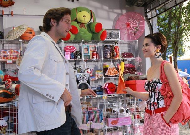 Sobrinha de Armane coloca o tio em apuros (Foto: TV Globo/Blenda Gomes)